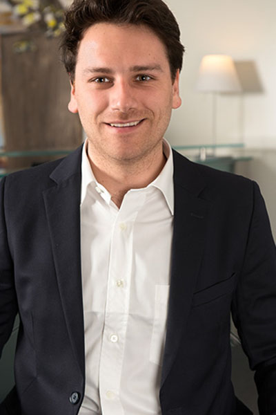 Equipe Edouard Maisonneuve Bremens Associes Notaires Homme Diplome Notaire Immobilier Complexe Promotion