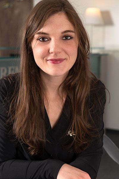 Equipe Melina Mathon Bremens Associes Notaires Femme Collaborateur Immobilier Des Particuliers