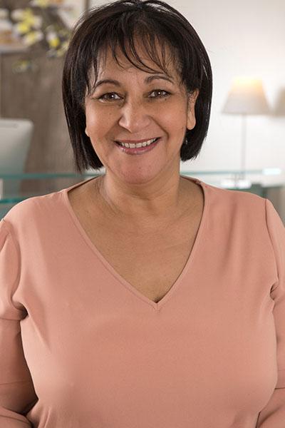 Equipe Samia Rabahi Bremens Associes Notaires Femme Standardiste